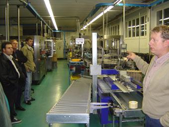 Gewerbeverein Schwyz beim Besuch der St. Jakobskellerei, Seewen